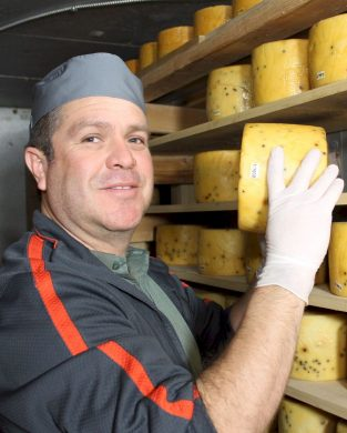cheese-maker-nicolau-farms